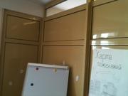 Офисную перегородку и дверь (металл,  ширина 6.22 м)