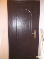 Металлическая  входная дверь