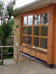 Деревянные окна из массива сосны для дачи.